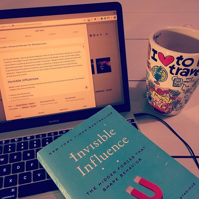Are you ready for another book review? Read it on the blog tomorrow! 🦁  #invisibleinfleunce #jonahberger #blog #careerlions #bookreview