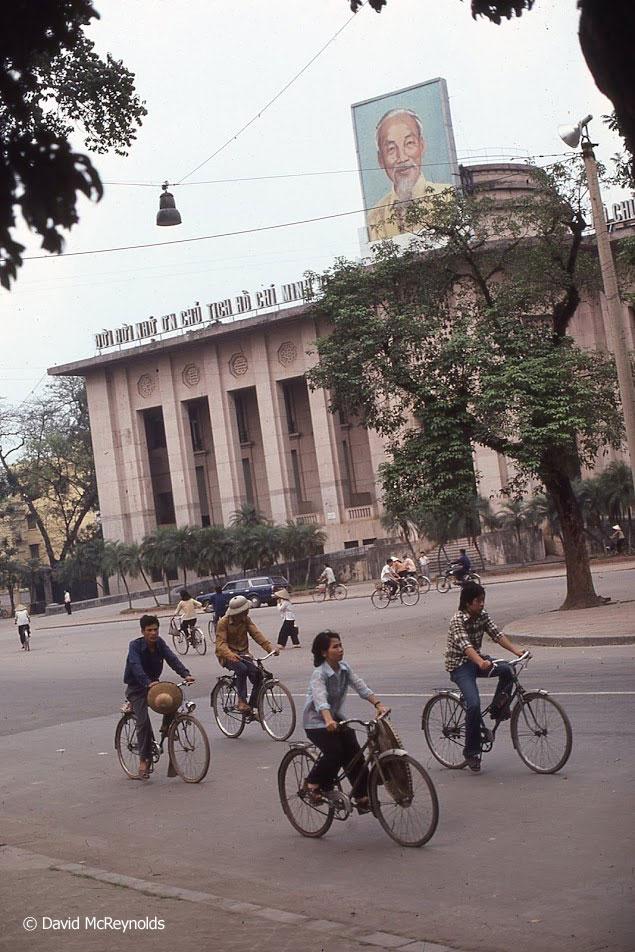 Hanoi_bikes_portrait_6_2.jpg
