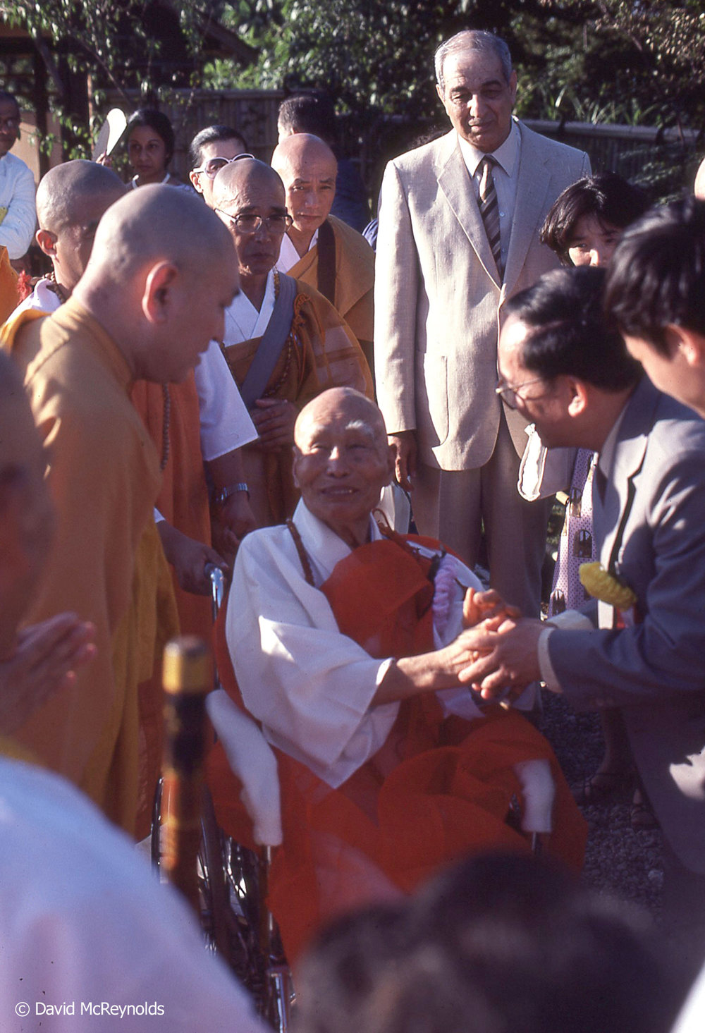 Revered Buddhist monk and author Nittatsu Fujii was a special guest at the 1981 ceremony.