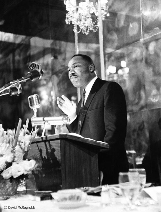 Keynote speaker Martin L. King at the 1959 WRL peace award dinner honoring AJ Muste.