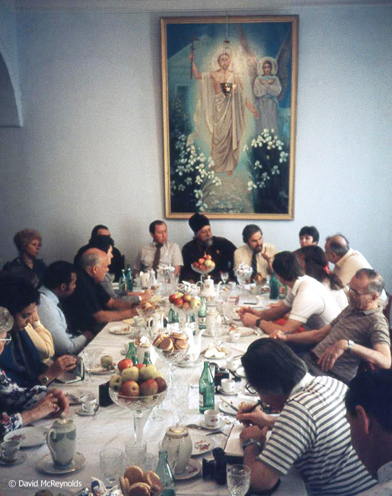 SU1987-delegation-at-meal_web.jpg