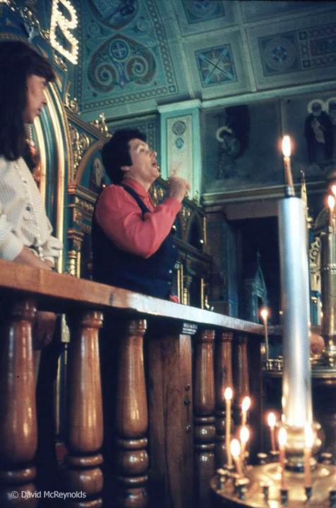 SU1987-woman-speaking-in-church_web.jpg