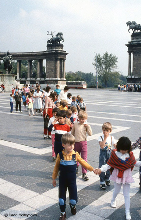 SU1987-kids-crossing-plaza_web.jpg