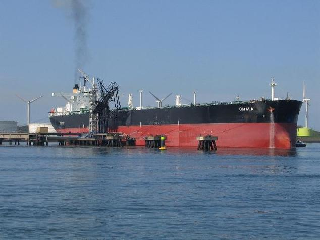 More than 400 massive oil tankers will pass through the Salish Sea every year if the pipeline is built   Credit: Danny Cornelissen/Wikimedia Commons