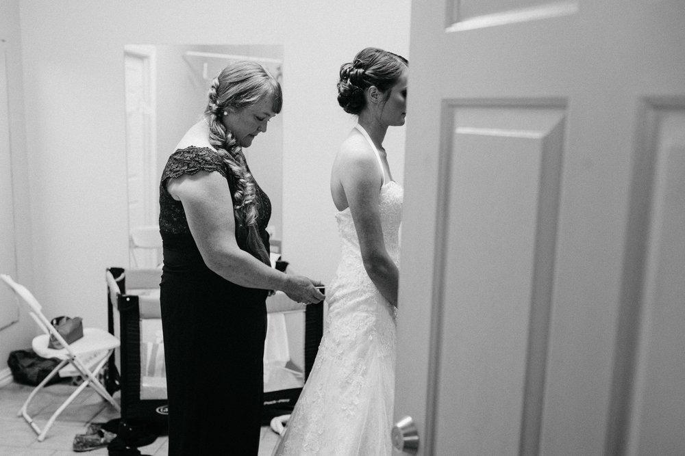 West-Texas-Wedding-Photographer-Cains-Cove-Lake-Nasworthy-San-Angelo-0007.jpg