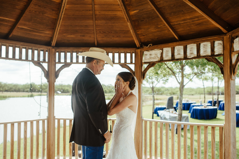 West-Texas-Wedding-Photographer-Cains-Cove-Lake-Nasworthy-San-Angelo-0008.jpg