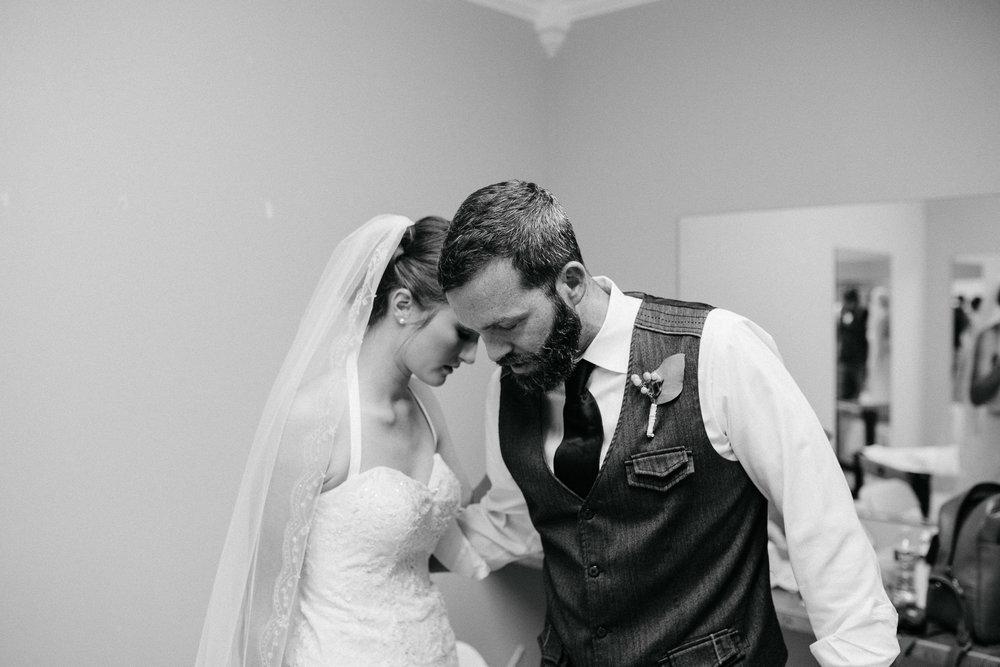 West-Texas-Wedding-Photographer-Cains-Cove-Lake-Nasworthy-San-Angelo-0012.jpg