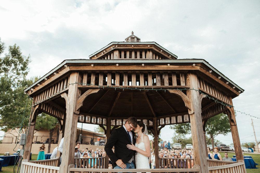 West-Texas-Wedding-Photographer-Cains-Cove-Lake-Nasworthy-San-Angelo-0017.jpg
