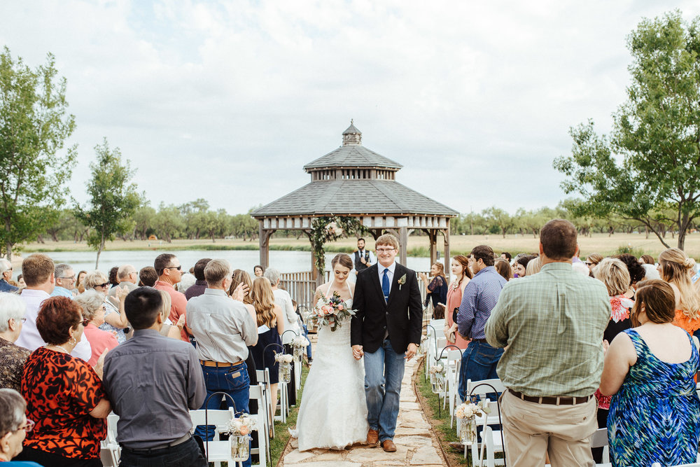 West-Texas-Wedding-Photographer-Cains-Cove-Lake-Nasworthy-San-Angelo-0019.jpg