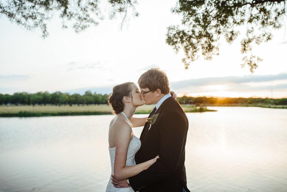 West-Texas-Wedding-Photographer-Cains-Cove-Lake-Nasworthy-San-Angelo-0021.jpg