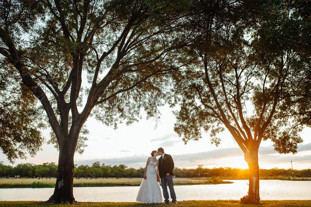 West-Texas-Wedding-Photographer-Cains-Cove-Lake-Nasworthy-San-Angelo-0022.jpg