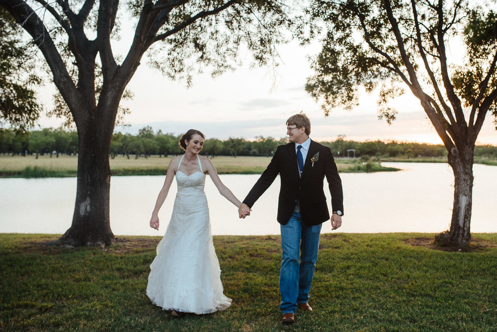 West-Texas-Wedding-Photographer-Cains-Cove-Lake-Nasworthy-San-Angelo-0024.jpg