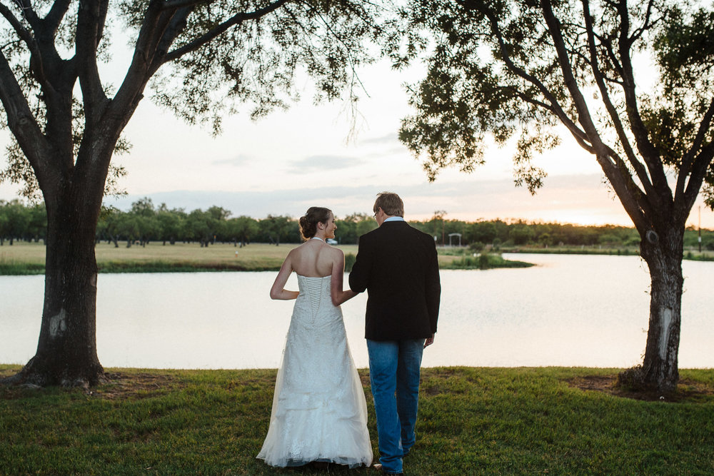 West-Texas-Wedding-Photographer-Cains-Cove-Lake-Nasworthy-San-Angelo-0025.jpg