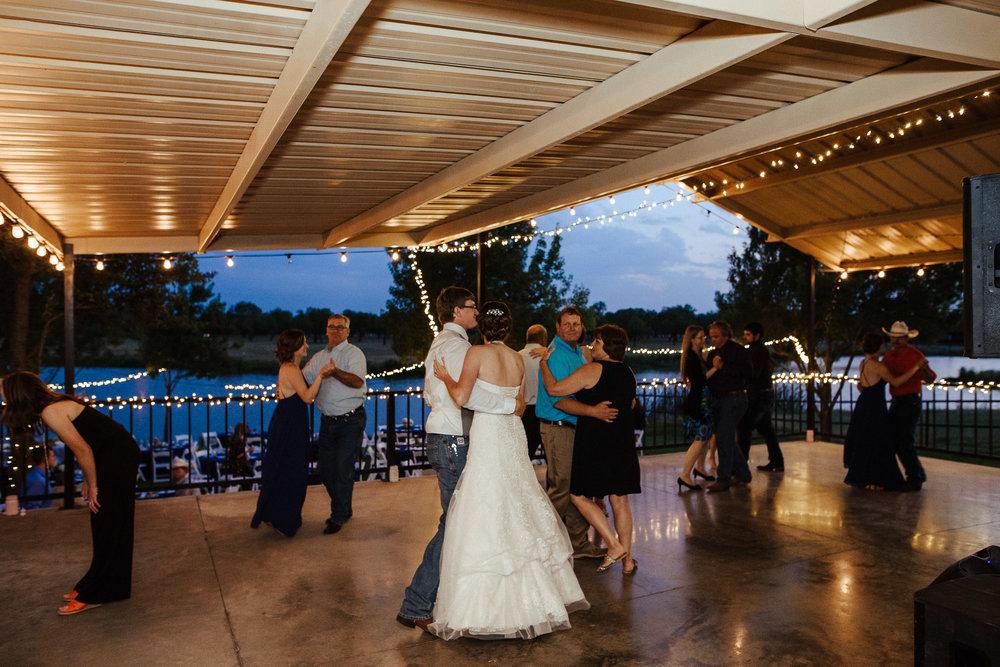 West-Texas-Wedding-Photographer-Cains-Cove-Lake-Nasworthy-San-Angelo-0028.jpg