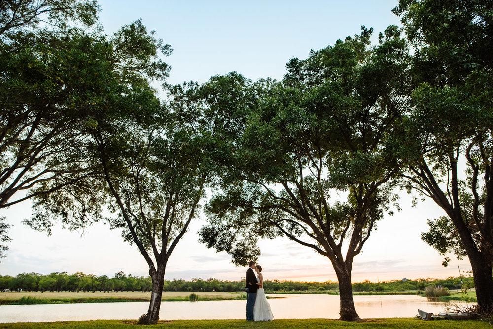 West-Texas-Wedding-Photographer-Cains-Cove-Lake-Nasworthy-San-Angelo-0027.jpg