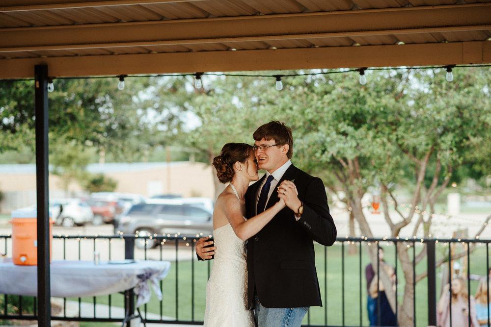West-Texas-Wedding-Photographer-Cains-Cove-Lake-Nasworthy-San-Angelo-0046.jpg