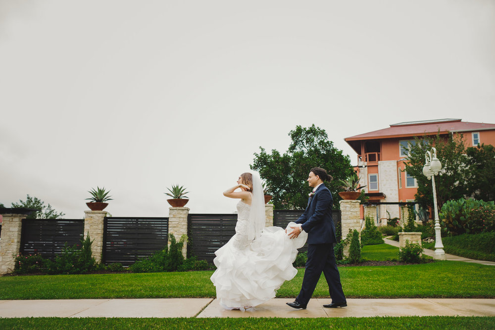 Austin-Texas-Wedding-Vintage-Villas-0034.jpg