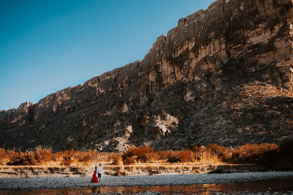 big-bend-santa-elena-canyon-engagement-photos-0003.jpg