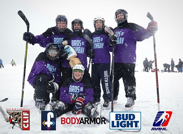 Congrats to our 2019 CHAMPS🏆 You guys are all proof that real athletes drink Bud Light🍺 Don't forget to use our hashtag #budlightthelampvt most liked pic wins a prize! See you animals next year❄️ • • #pondhockey #budlight #beerhockey #vermont #hockey #frostbitefaceoff #frostbitefaceoff2019 #beerleaguehockey #canadiantuxedo #outdoorhockey #hockey #outdoorhockey #lakemorey #vermonthockey #newengland #boston #bostonhockey #bostonbeer #newyorkhockey