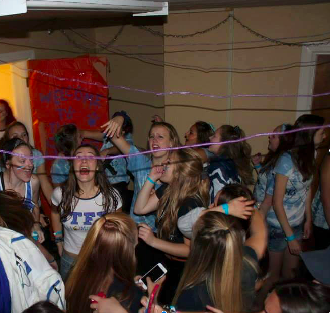 residents get rowdy at Homecoming 2015 - photo: mikaela Jahrig