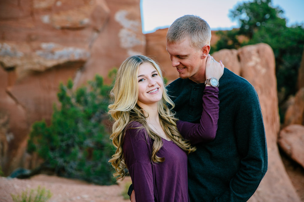 grand-junction-colorado-monument-wedding-photographer-engagements-15.jpg