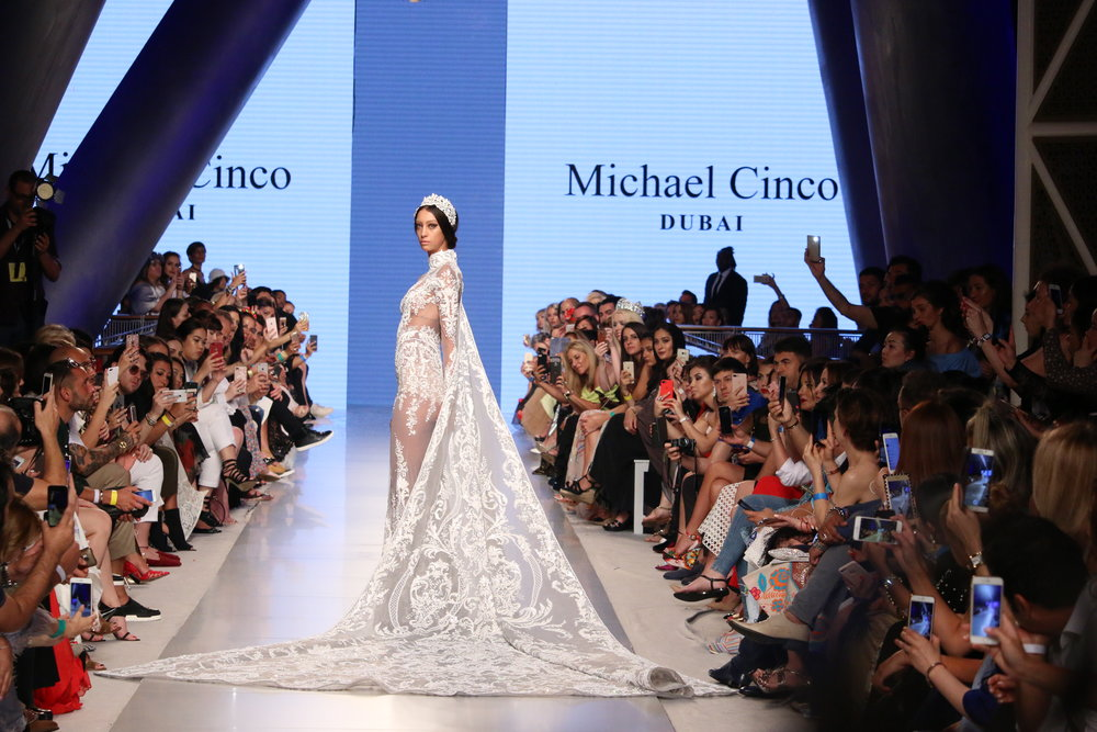 MICHAEL CINCO DUBAI