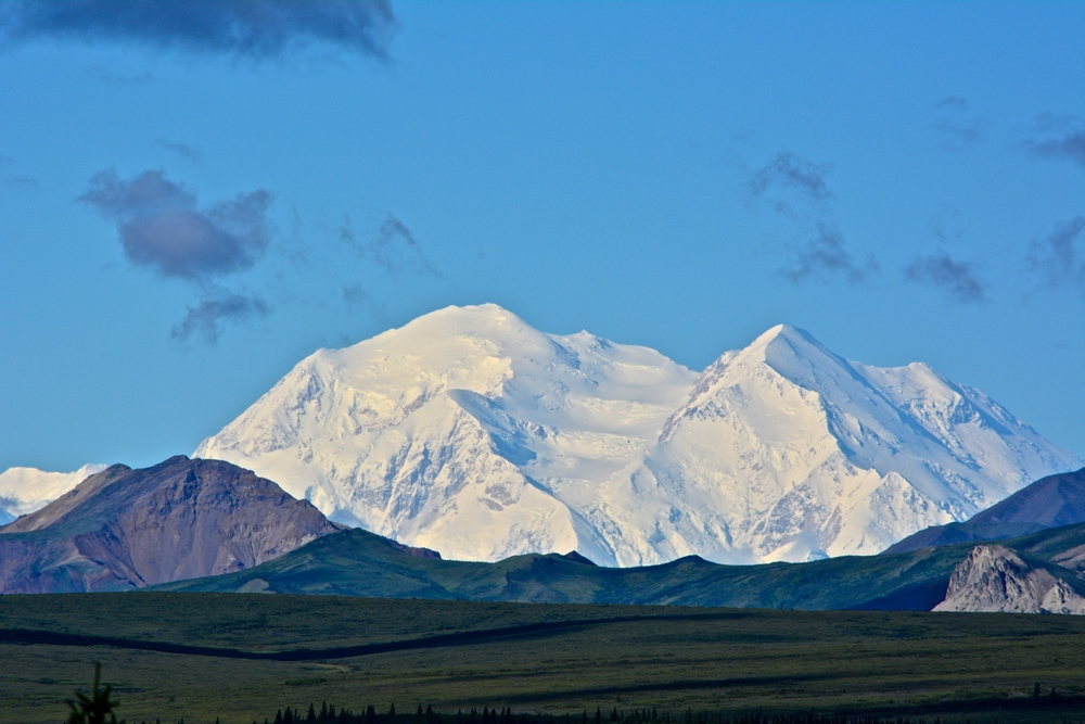 Clear views of Mount Denali