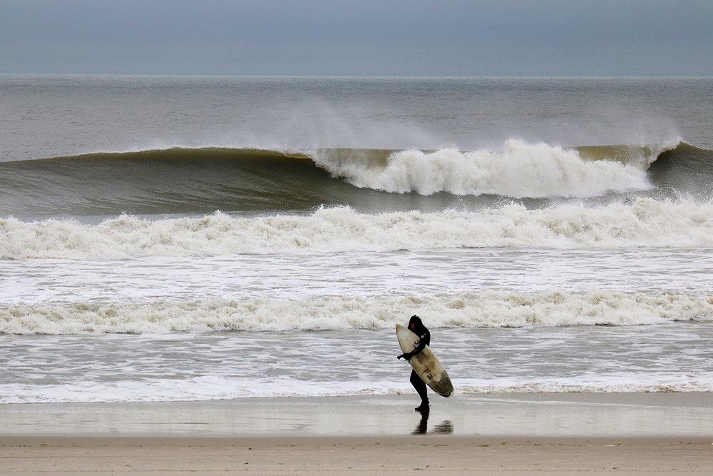 4-24-17 Long Beach Wave 1.jpg