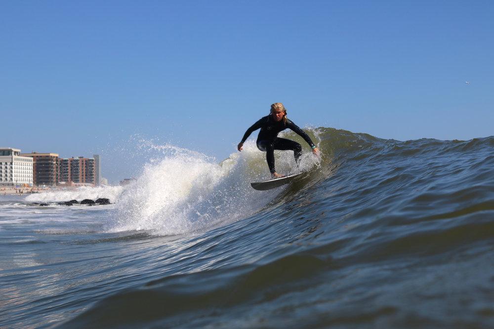 9-24-17 LB Surfer 7.jpg