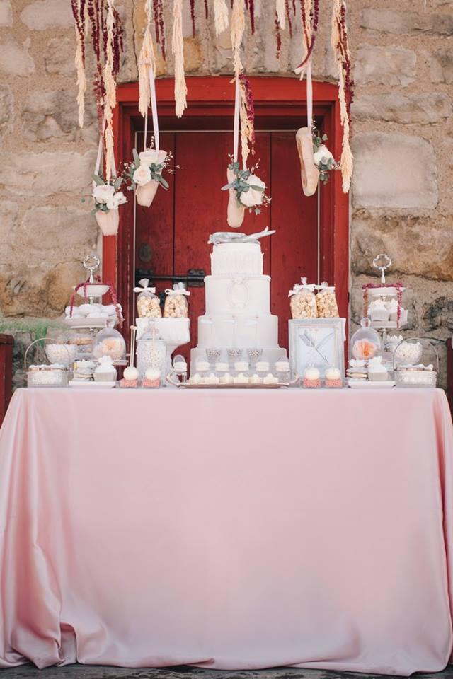 niagara-wedding-cakes--niagara-wedding-tables-sweet-celebrations-custom-sweet-tables-011.JPG