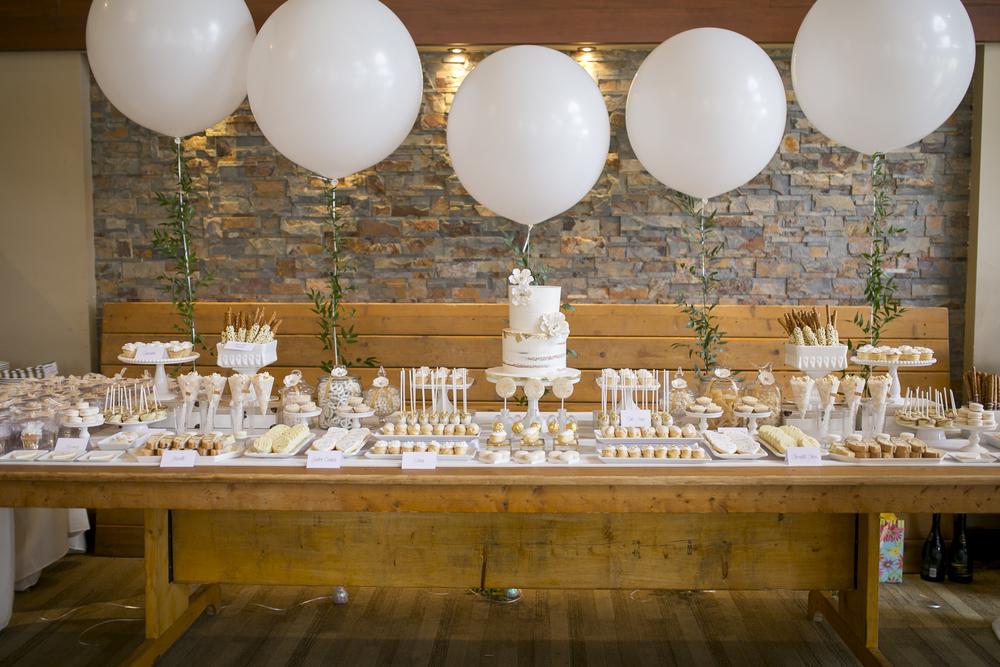 niagara-wedding-cakes--niagara-wedding-tables-sweet-celebrations-custom-sweet-tables-005.JPG