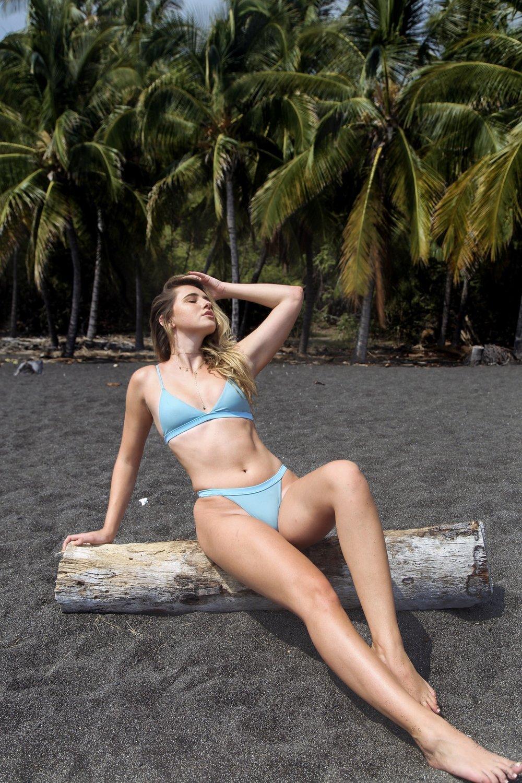 Swimsuit: Dippin' Daisies // Jewelry: Art of Sunshine