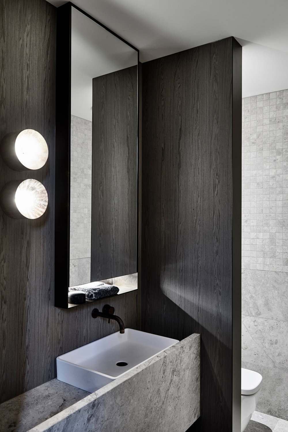 Workroom Architetcure_Agushi building_Meanwhiloe in Melbourne - Bathroom Design
