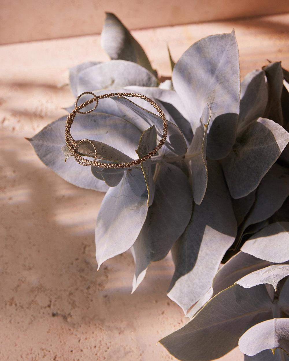 Macro_Australis_Botanica_Abby_Seymour_Jewellery_Brass_Seed-Garland_Bangle_2018.jpg