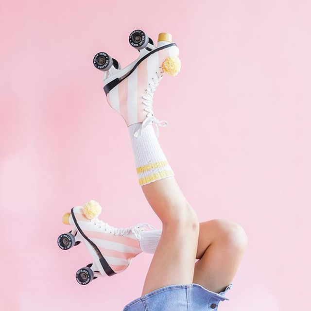 It's little Friday wahines, get your skates polished! . . #activewear #fitspo #fitness #supportlocal #fitnessmotivation #yogatights #yogapants #athleisurewear #fitfashion #fitnessfashion #yoga #pilates #togatights #prints #textiledesign #yogajourney #yogamotivation #realwomen #girlboss #tropical