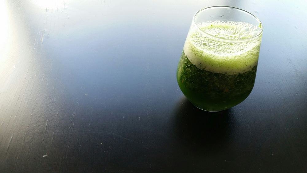 SUPER GREEN +KALE +SPINACH +GINGER +RED APPLE + CELERY ADD WATER & BLEND & ENJOY
