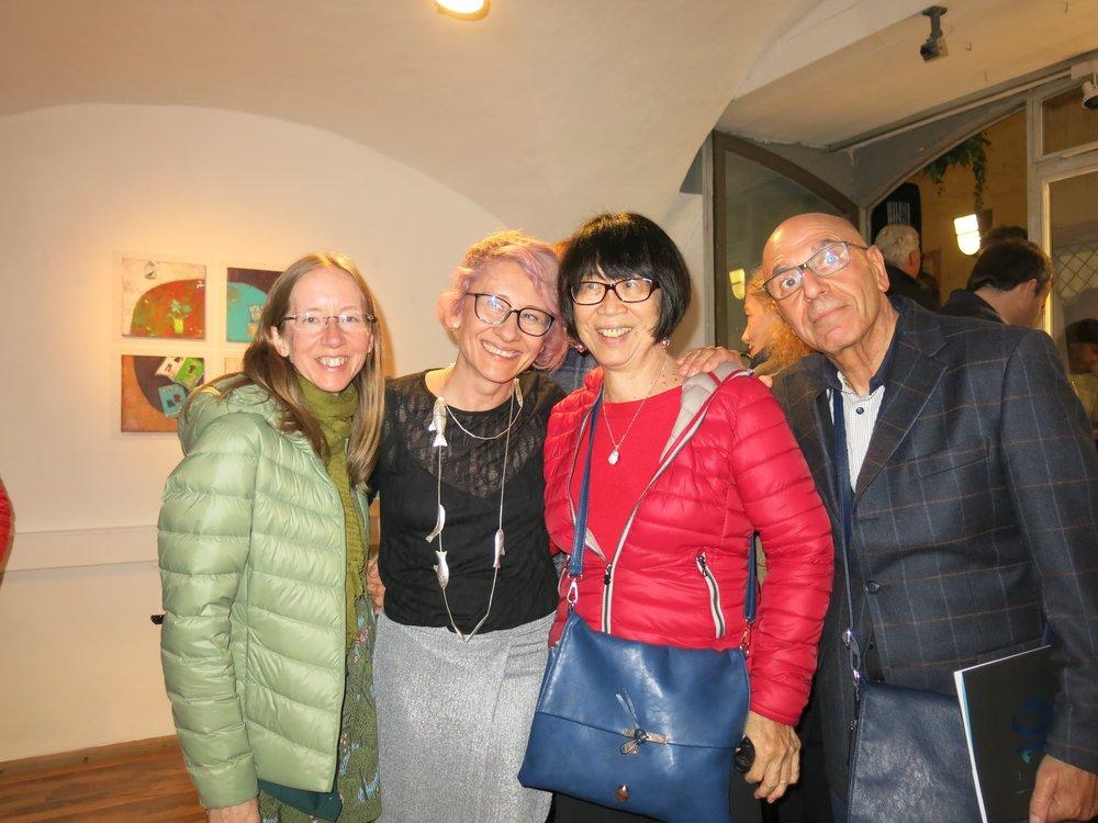 Judy Board, Inger Tan-Dietrich e Gaetano