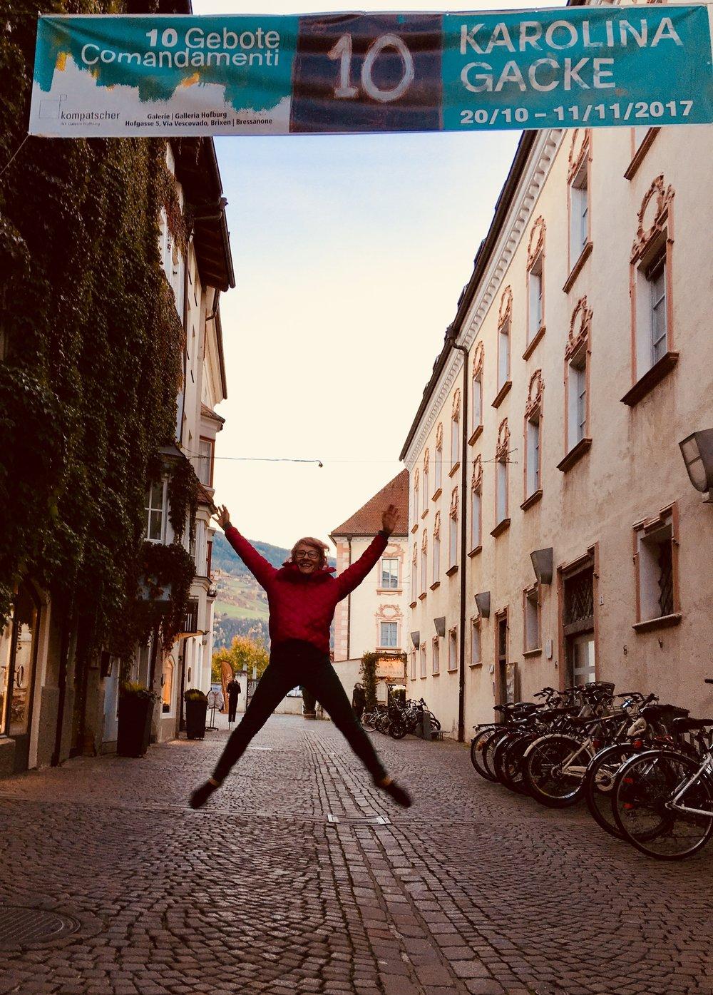 KG10 Karolina jump.jpeg