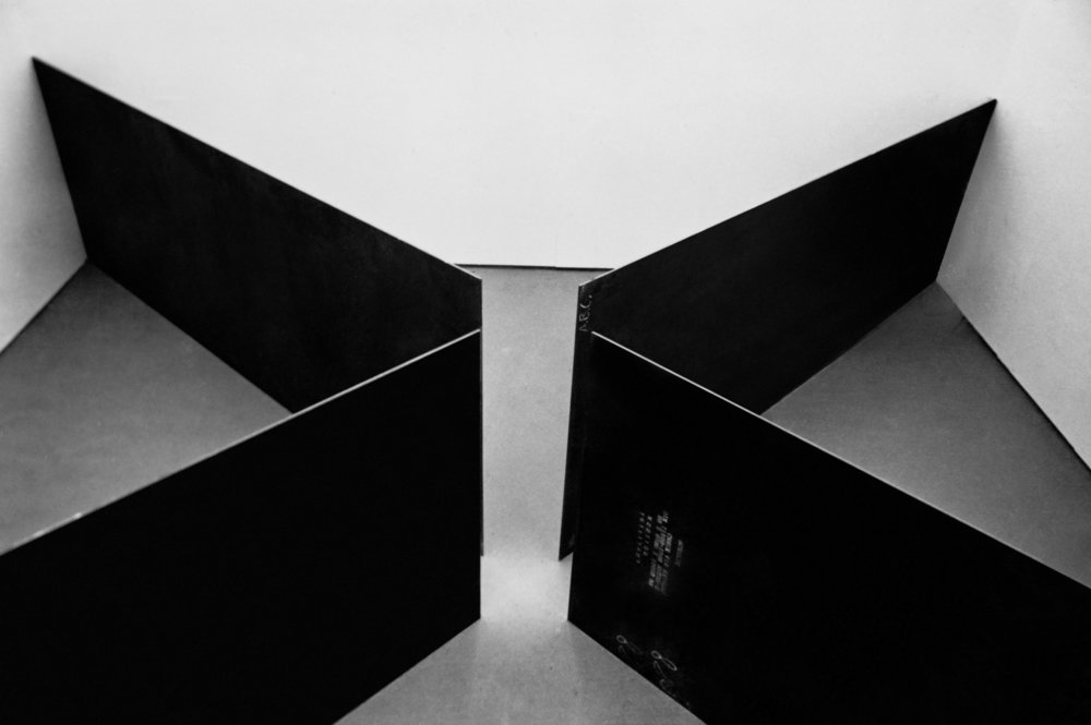 Richard Serra, Circuit, 1972