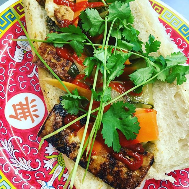 B A N H MI  Dreaming of days in Vietnam 🇻🇳 #beetboxcroyde #braunton #eatgreen #vegan #tofu #vietnam #lunch #vietnamdreaming