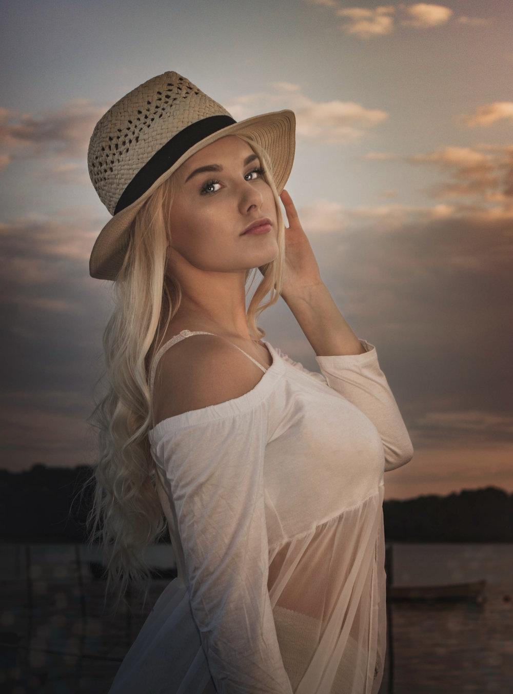 Kai-hvid-hat01.jpg