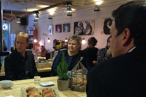 Statsminister Erna på besøk hos Oslo KAffebar i 2014