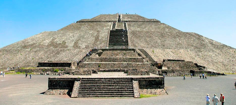 Ce jour est dédié à la visite guidée de Teotihuacán, situé au Nord de la ville de México. C'est l'un des plus importants sites archéologiques de la vallée de Mexico. Il contient certaines des plus grandes pyramides méso-américaines jamais construites en Amérique précolombienne. Ce site a été inscrit au Patrimoine mondial de l'UNESCO en 1987.