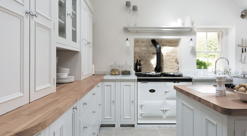 Neptune Chichester Range – Inspiring kitchen range with solid oak worktop surfaces and Aga oven