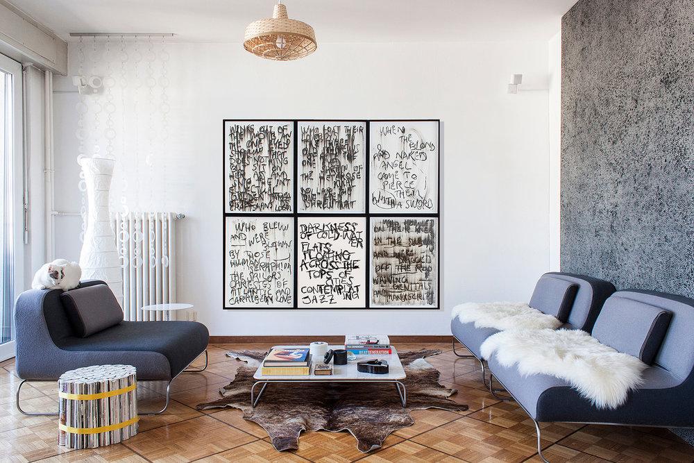 situation en appartement avec 5 autres œuvres sur papier