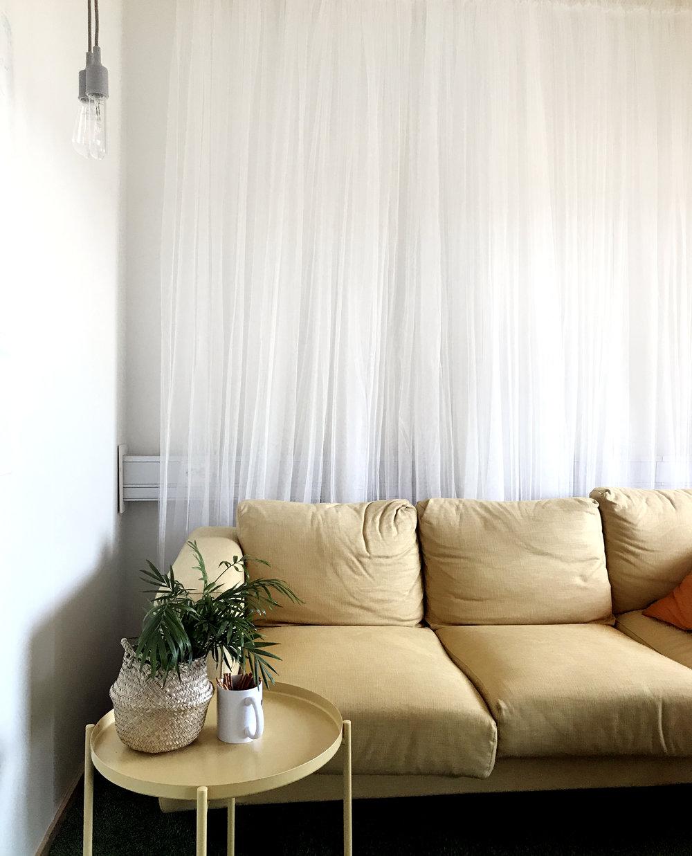 gul_soffa.jpg