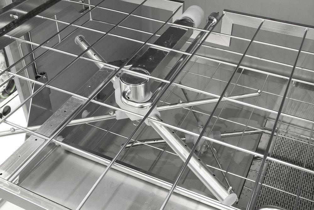 AC 1300 cart washing arm detail.jpg