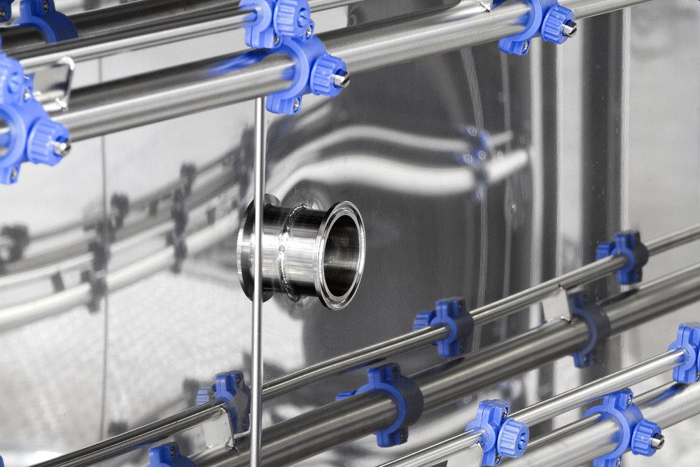 AC 7000 wash trolley connector detail3.jpg