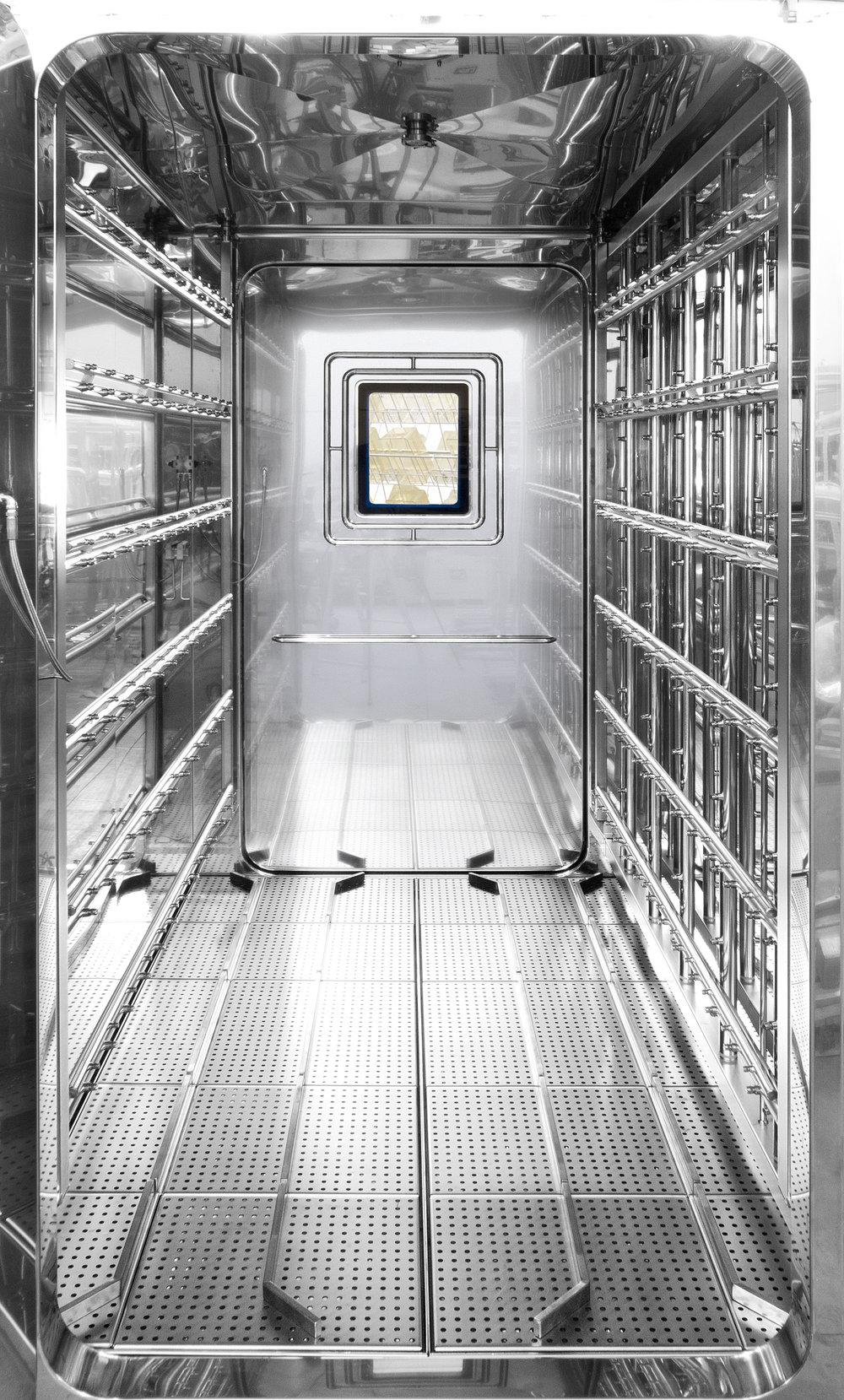 AC 7000 NHP washing chamber.jpg