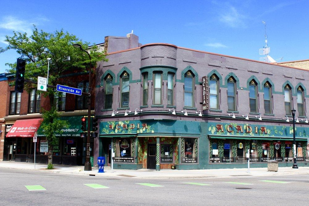 Riverside Ave 1.jpg